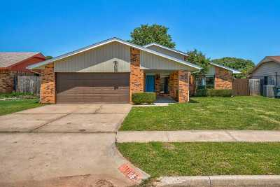 Lawton Single Family Home For Sale: 7107 NW Birch Pl