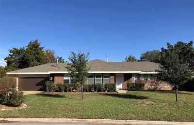 Lawton Single Family Home For Sale: 3405 NW Atlanta Ave