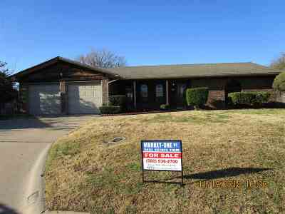 Lawton Single Family Home For Sale: 310 NW Tanglewood Ln