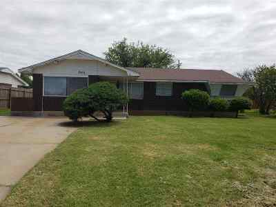 Lawton Single Family Home Under Contract: 2411 NW 34th St