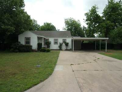Lawton Single Family Home Under Contract: 1304 NW Maple Ave