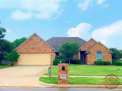 Lawton Single Family Home For Sale: 7609 NW Tonbridge Pl