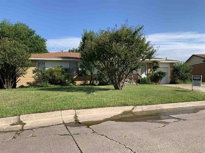 Lawton Single Family Home For Sale: 3829 NW Ferris Ave
