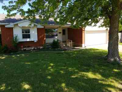 Lawton Single Family Home Under Contract: 4537 SW Beta Ave