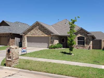 Lawton Single Family Home For Sale: 5407 SW Trevor Cir
