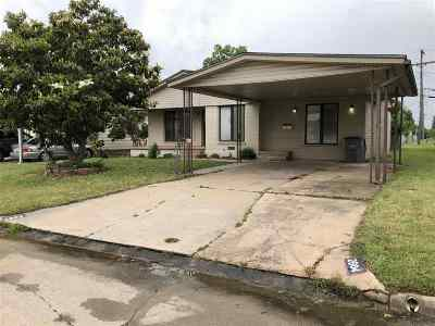 Lawton Single Family Home For Sale: 2904 NW 21st Pl