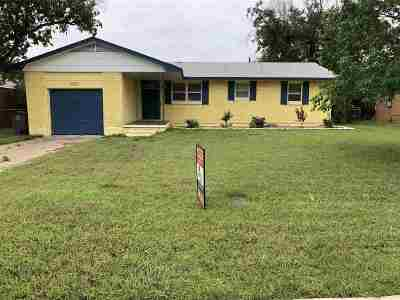 Lawton Single Family Home Temporary Active: 2407 NW 47th St