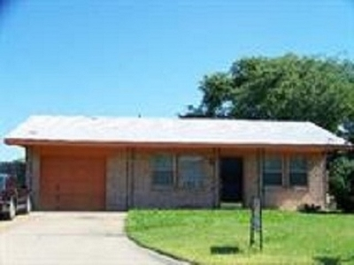 Comanche County Single Family Home For Sale: 6505 NW Oak Ave
