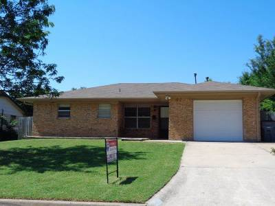 Lawton Single Family Home For Sale: 5706 NW Chestnut Ln