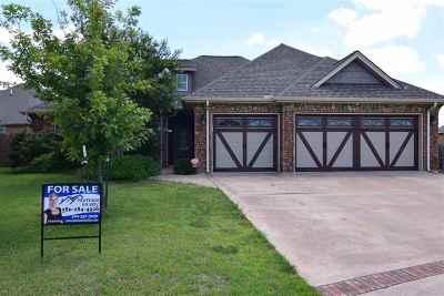 Lawton Single Family Home For Sale: 3601 NE Cypress Ln