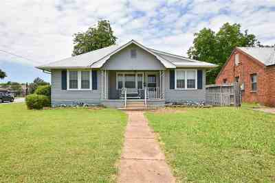 Lawton Single Family Home For Sale: 702 NW Laird Ave