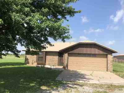 Lawton Single Family Home For Sale: 1711 N Hwy 65