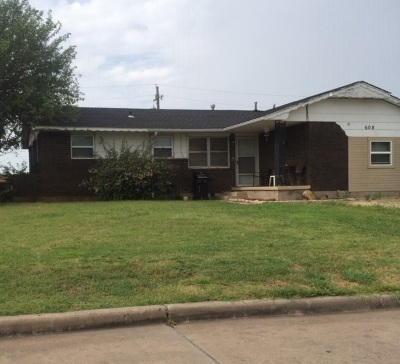 Lawton Single Family Home For Sale: 608 SW Arbuckle Ave
