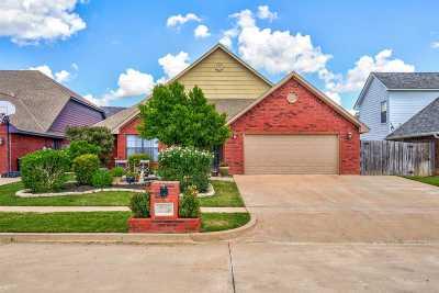 Lawton Single Family Home For Sale: 1633 NE 35th St
