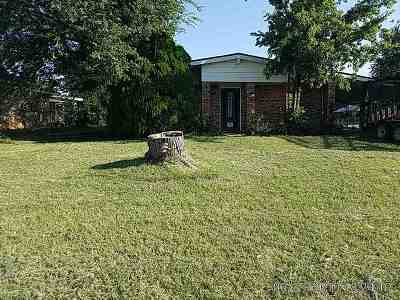 Lawton Single Family Home Under Contract: 101 NE Fullerton St