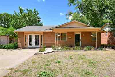 Walters Single Family Home For Sale: 221 W Kansas St