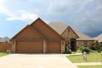 Lawton Single Family Home Under Contract: 3715 NE Cypress Ln