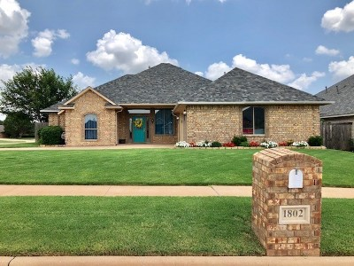 Lawton Single Family Home For Sale: 1802 SW 69th St