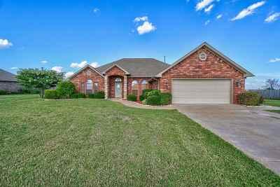 Lawton Single Family Home For Sale: 12 SW Oak Tree Dr