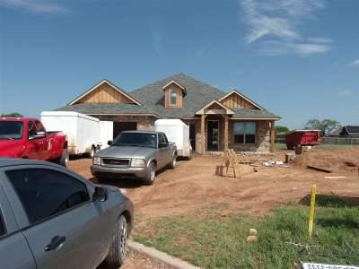 Cache Single Family Home For Sale: 1303 Dahlia Ln