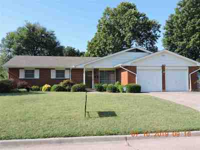Lawton Single Family Home For Sale: 7202 NW Compass Dr