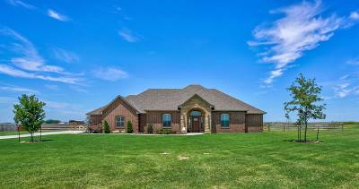 Lawton Single Family Home For Sale: 1210 NW Gray Hawk Dr