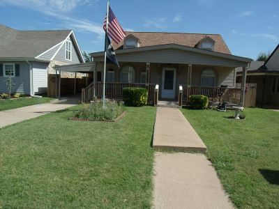 Lawton Single Family Home For Sale: 1705 NW Lake Ave