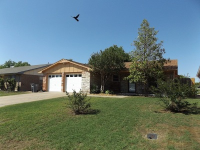 Lawton Single Family Home For Sale: 5409 NW Cottonwood Dr