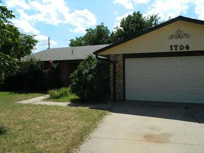 Lawton Single Family Home For Sale: 1704 NW Gray Warr Pl
