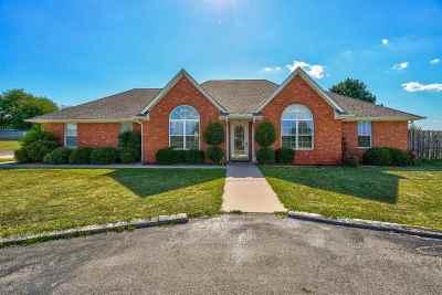 Elgin Single Family Home For Sale: 13855 NE 75th St
