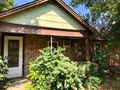 Elgin Single Family Home For Sale: 603 C