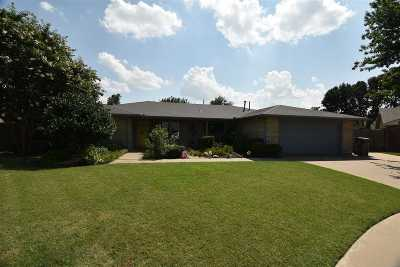 Lawton Single Family Home For Sale: 1002 NW 75th St