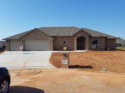 Comanche County Single Family Home For Sale: 1610 NE White Rock Dr