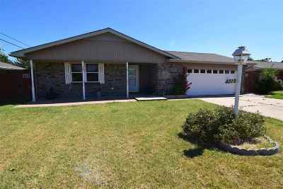 Lawton Single Family Home For Sale: 4215 SE Camden Way