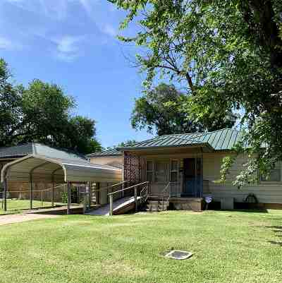 Lawton Single Family Home For Sale: 713 SW Jefferson