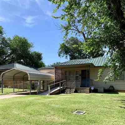 Comanche County Single Family Home For Sale: 713 SW Jefferson