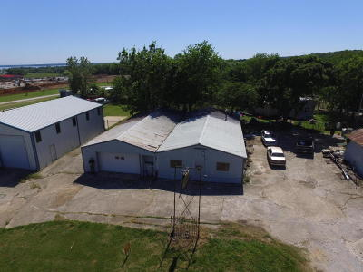 Afton OK Commercial For Sale: $165,000