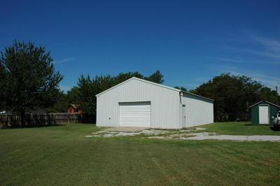 Vinita Single Family Home For Sale: 857 Morrow Dr