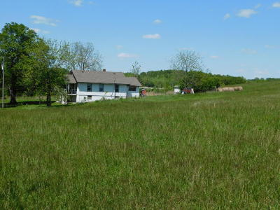 Farm & Ranch For Sale: 304 Persimmon Ln