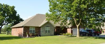 Grove Single Family Home For Sale: 2801 Harber Oaks Loop
