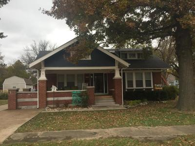 Vinita Single Family Home For Sale: 729 W Canadian Ave