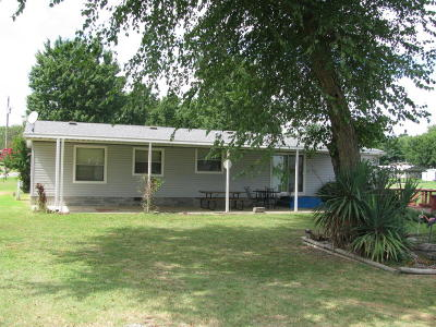 Grove OK Mobile Home For Sale: $135,000