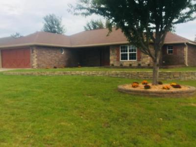 Grove Single Family Home For Sale: 500 E 7th St