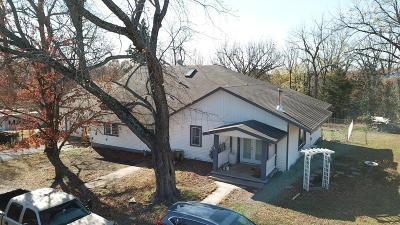 Grove Single Family Home For Sale: 59601 E 304 Rd