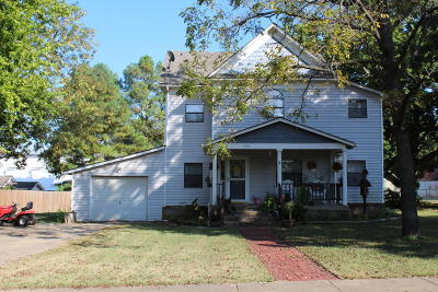 Vinita Single Family Home For Sale: 334 N Miller