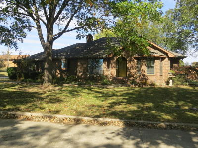 Grove Single Family Home For Sale: 1005 N Sycamore