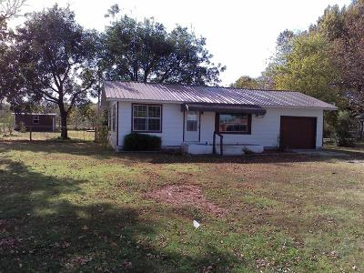 Grove OK Single Family Home For Sale: $59,000