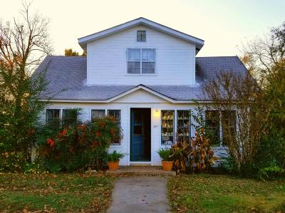 Grove Single Family Home For Sale: 420 S Mill St