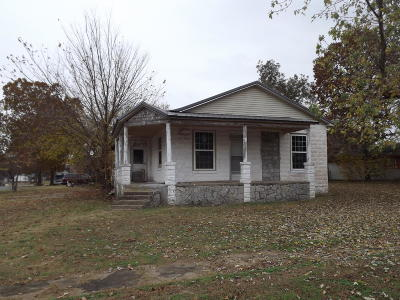 Grove Single Family Home For Sale: 901 S Grand St