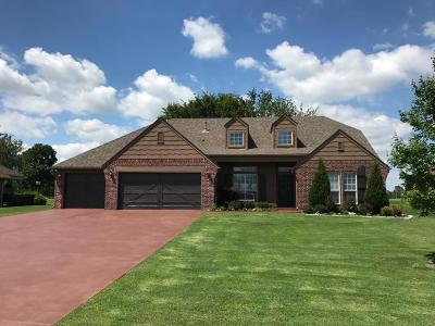 Single Family Home For Sale: 6026 Lake Breeze Rd